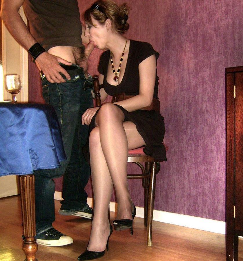 2 bourgeoises humilie par blouson noir lesbienne - 3 8